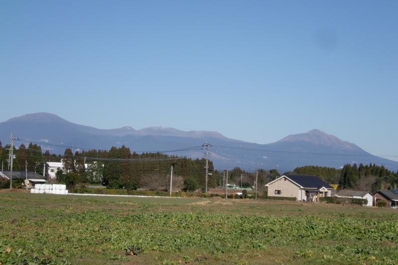 北側霧島連山を望む
